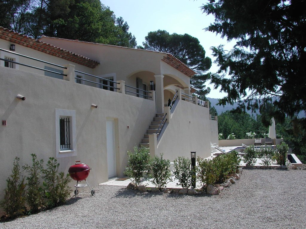 Maison neuve sur un beau terrain de 7500 m2 en coteau avec for Maison neuve avec terrain