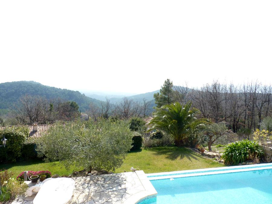Propriété avec vue magnifique sur la vallée