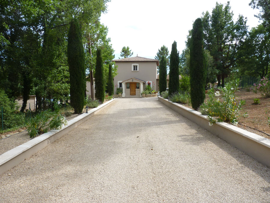 Belle propriété de 250 m2 habitable sur un terrain clos de 5000 m2