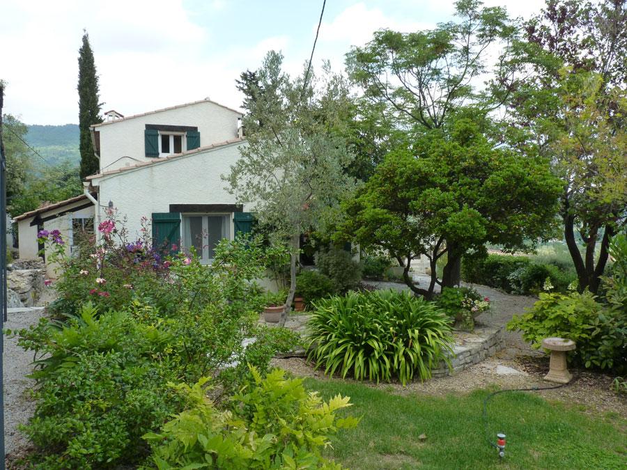 Maison à proximité du village avec appartement indépendant