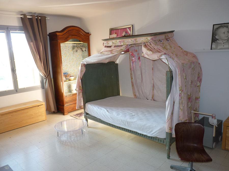 Jolie maison à vendre dans le village de Seillans avec jardin