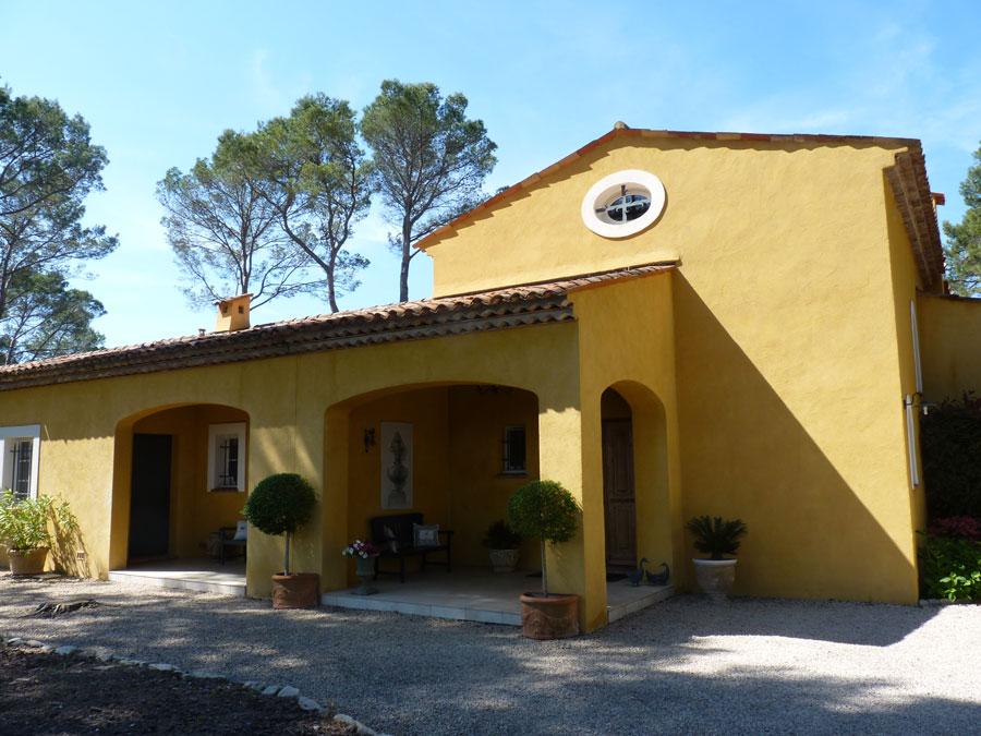 Belle propriété à vendre à Seillans avec vue sur le vignes