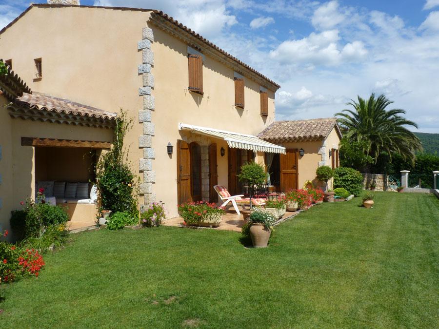 Maison avec belle vue,proximité du village, à vendre, à Seillans