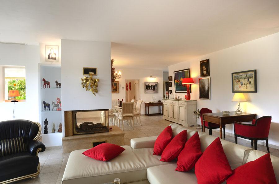 Propriété de 340m2 avec appartement indépendant, à Fayence